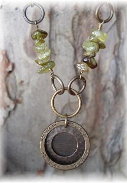 Vintaj brass necklace prehnite